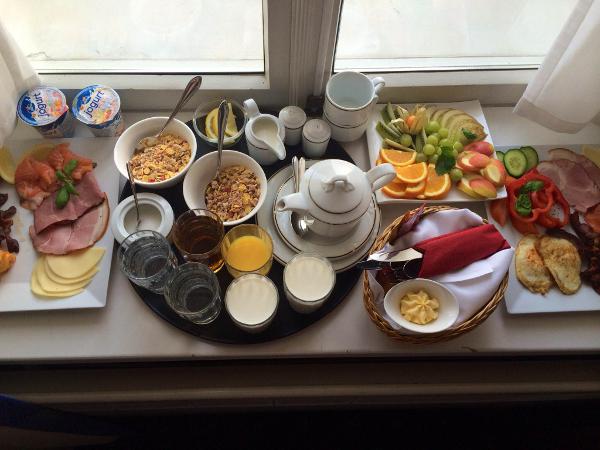 Aamiainen Hotel Baronsissa
