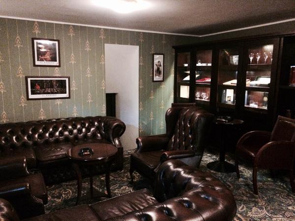Sigarihuone Hotel Baronsissa
